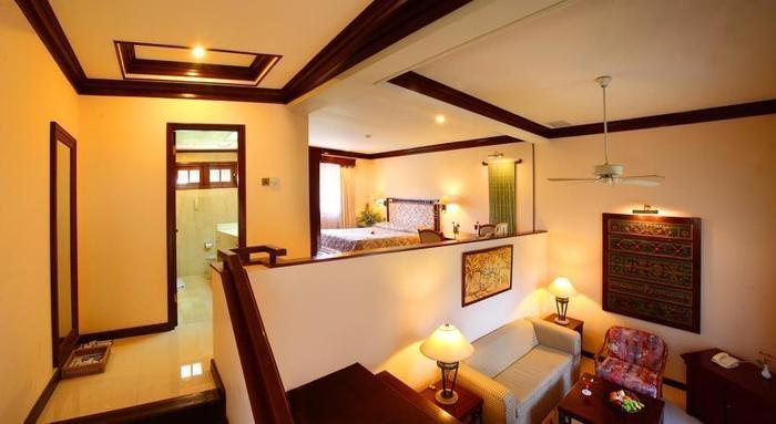 Hotel Equator Surabaya - Kamar Tamu