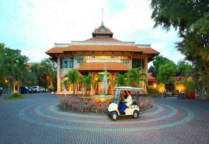 Hotel Equator Surabaya - Appereance1