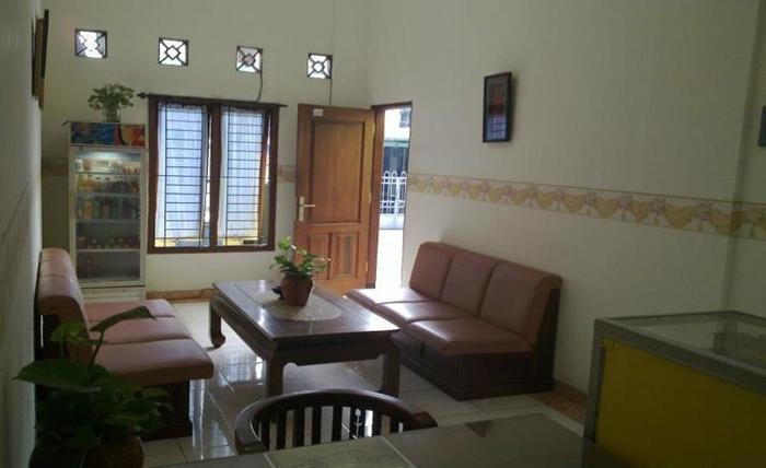 Graha Wisata Hotel Surabaya - Ruang tamu