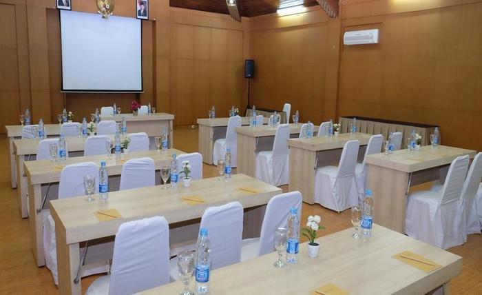 Tirtagangga Hotel Garut - Ruang Rapat