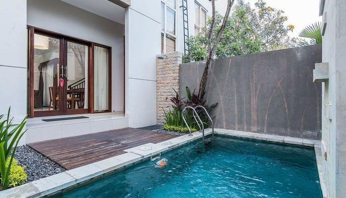 ZEN Premium Kerobokan Seminyak Villa Bali - Kolam Renang