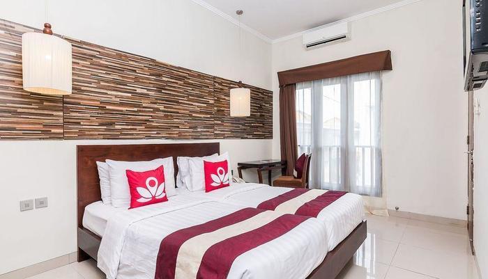 ZEN Premium Kerobokan Seminyak Villa Bali - Tempat Tidur Double