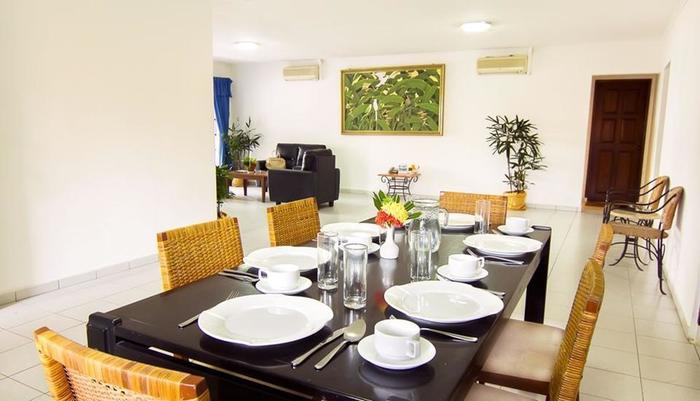 Nongsa Point Marina & Resort Batam - Apartment Dining Area