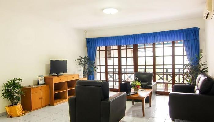 Nongsa Point Marina & Resort Batam - Apartment Living Area