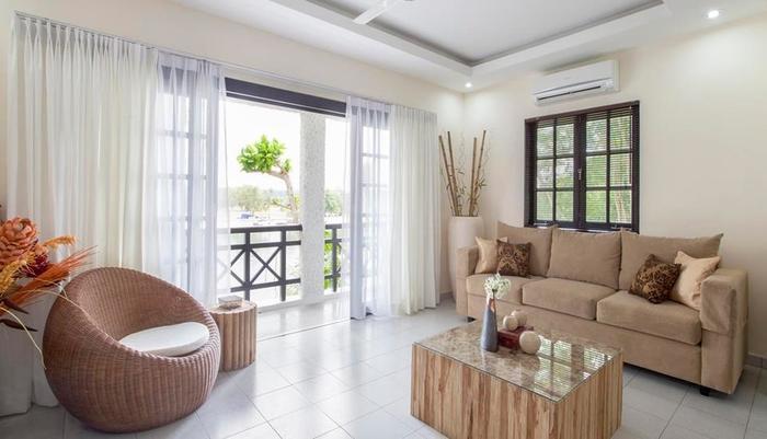Nongsa Point Marina & Resort Batam - Deluxe Villa Living Room