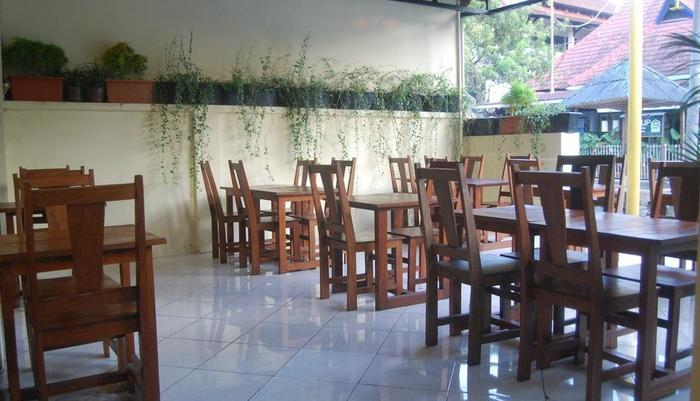 Hotel Sagan Huis Yogyakarta - Breakfast Room