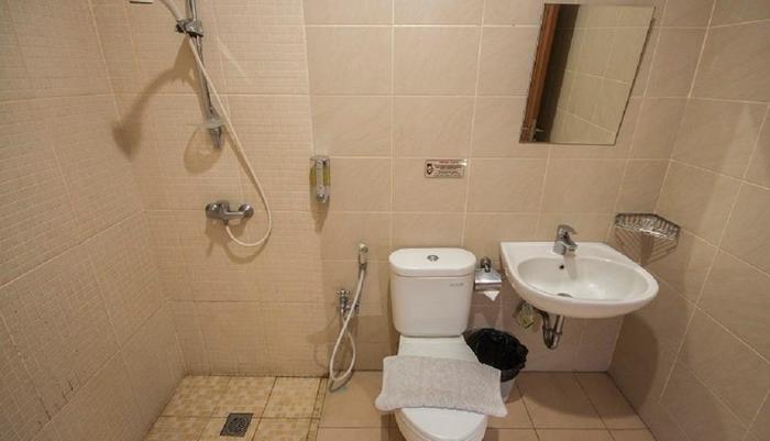 Hotel Caryota Bandung - Bathroom