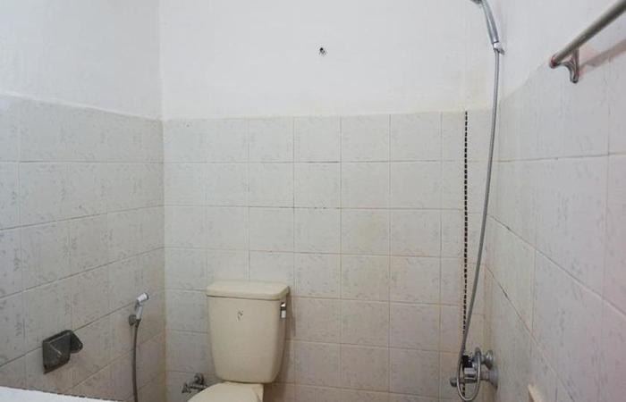 Hotel Ambaroba Resort Samosir - Kamar mandi