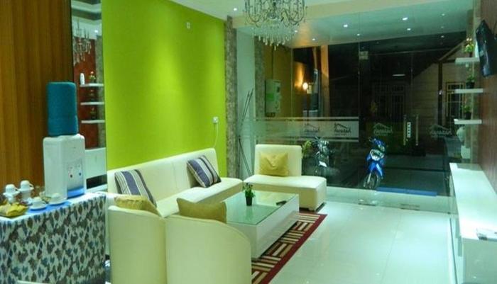 Hasanah Guest House Malang - Lobi