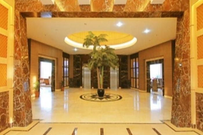 Grand Rocky Hotel Bukittinggi - Lobi