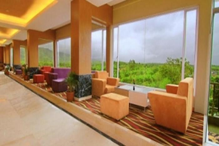 Grand Rocky Hotel Bukittinggi - Lounge