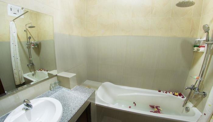 Sindhu Mertha Guest House  Bali - Kamar mandi