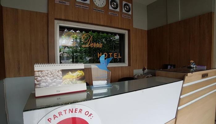 La Derra Hotel Purwakarta - Lobby