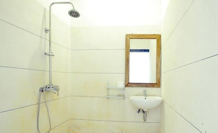 RedDoorz @Kerobokan Canggu 2 Bali - Bathroom