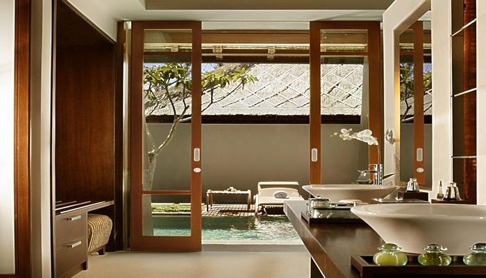 Kayana Seminyak - One Bedroom Villa - Bathroom Amenities