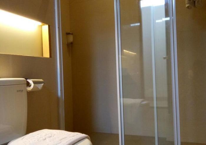 Pondok Labu Residence Jakarta - BathRooom Suite