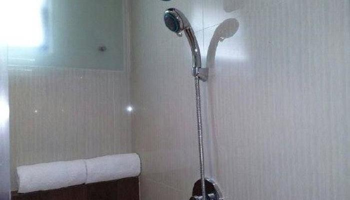 Jakarta Madrix Jakarta - Kamar mandi