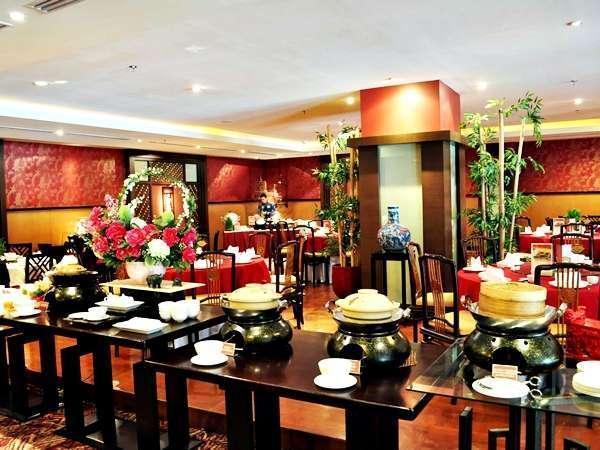 Gumaya Hotel Semarang - Noble Court Restaurant