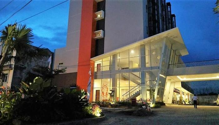 Urban Style by Front One Pringsewu - BUILDING