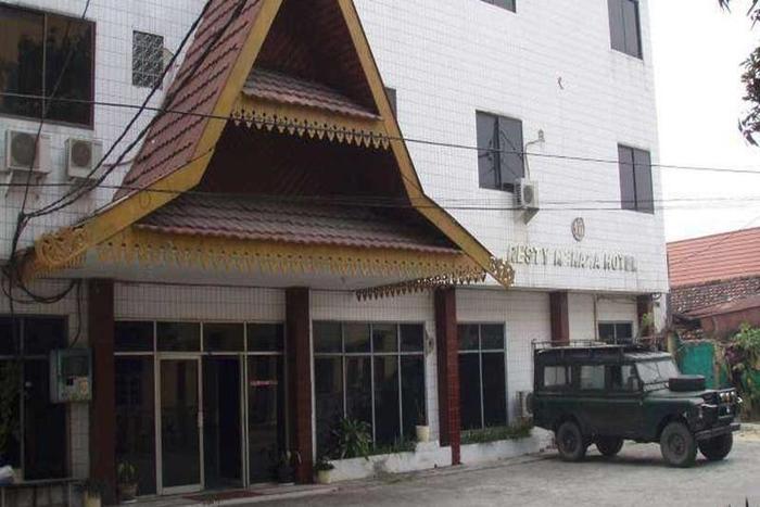 Resty Menara Hotel Pekanbaru - Tampilan Luar Hotel