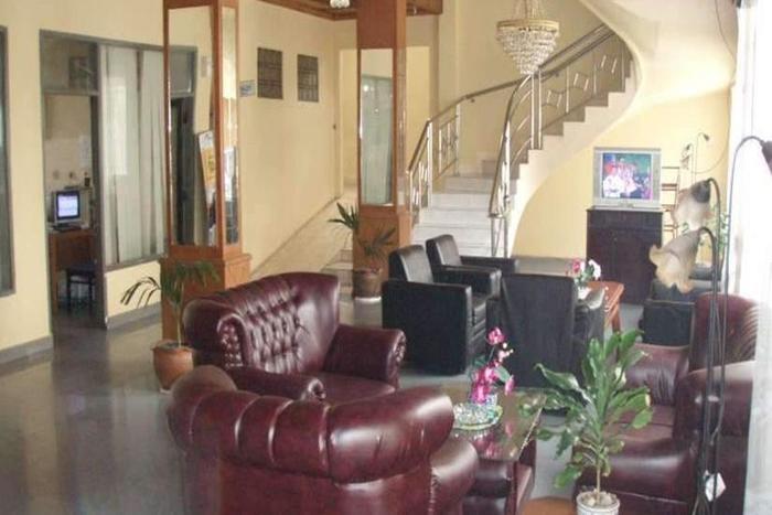 Resty Menara Hotel Pekanbaru - Lobi