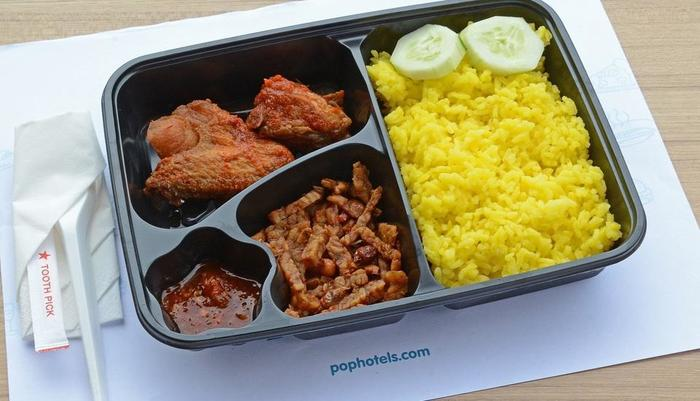 POP! Hotel Banjarmasin - Food at PITSTOP Cafe