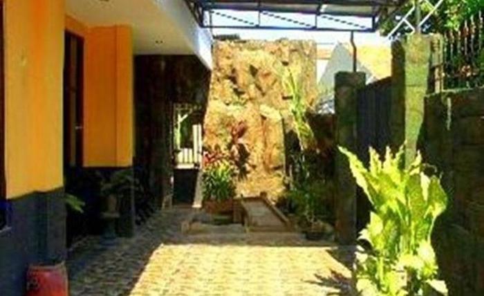 Edotel Bumi Airlangga Surabaya - Eksterior