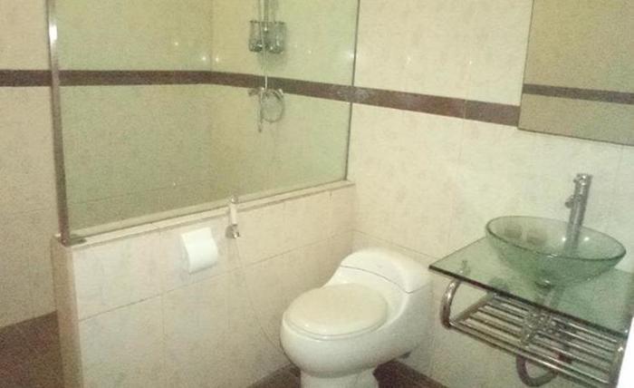 Edotel Bumi Airlangga Surabaya - Kamar mandi