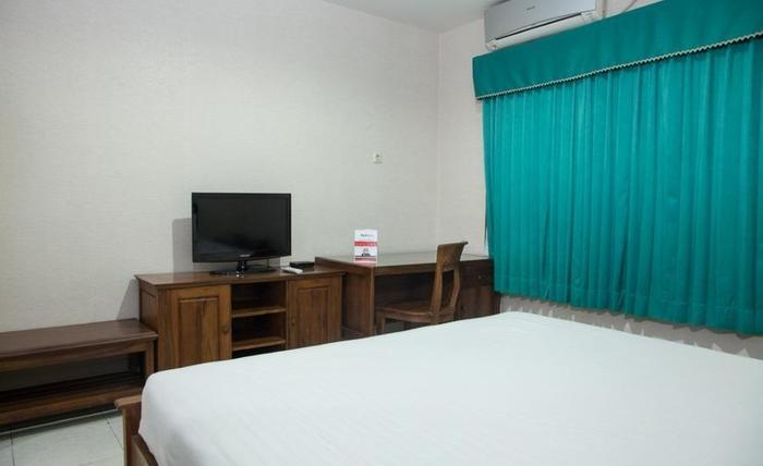 RedDoorz near Gubeng Station 2 Surabaya - Parkir