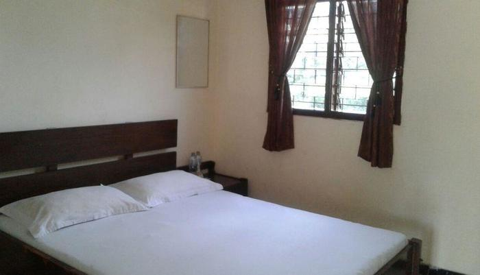 Hotel Cendrawasih Jember - Standart Room