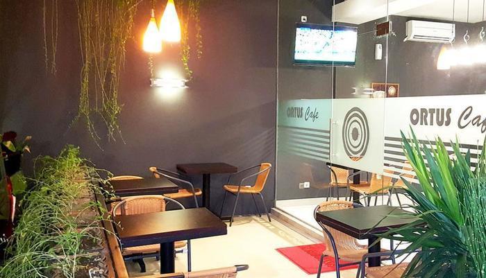 Sunrise Hotel Jombor Yogyakarta - Cafe santai luar ruangan