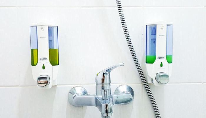 Sunrise Hotel Jombor Yogyakarta - Lengkap dengan sabun dan shampo. Air panas dan dingin.
