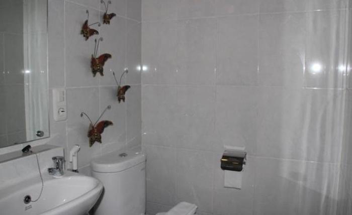 Natura Rumah Singgah Purwokerto - Kamar mandi