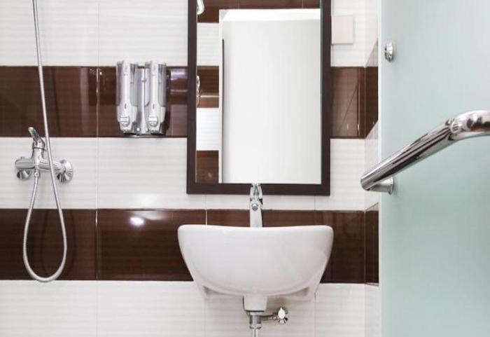 The Victoria Luxurious Guest House Bandung - Bath Room