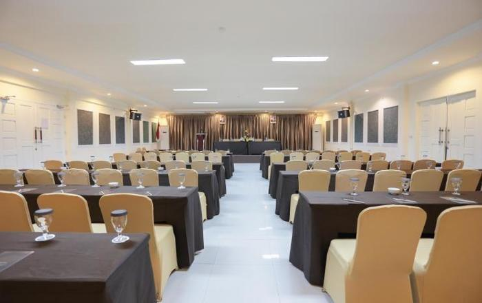 Ramayana Hotel Makassar - Meeting Room