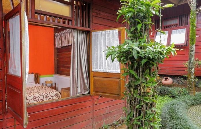 RedDoorz near De Ranch Lembang Bandung - Kamar tamu