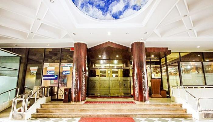 Grand Menteng Hotel Jakarta - Lobby Entrance