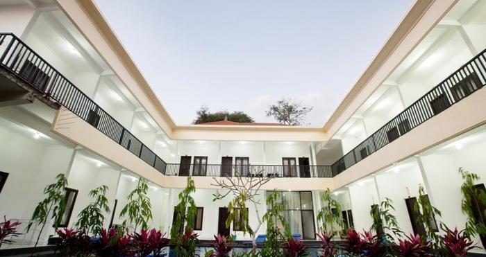 Seminyak Point Guest House Bali - Tampilan Luar