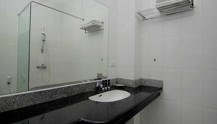 RedDoorz @Babakan Jeruk Bandung - Kamar mandi