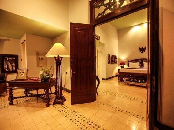 Hotel Tugu Blitar - Sang Fajar