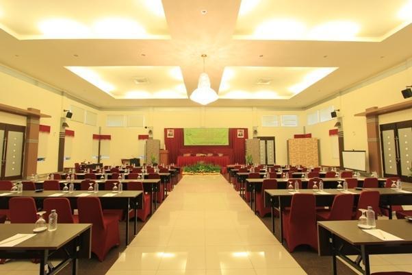 Karang Sentra Hotel Bandung - (26/June/2014)