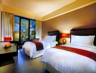 100 Sunset 2 Hotel Bali - Deluxe Balcony