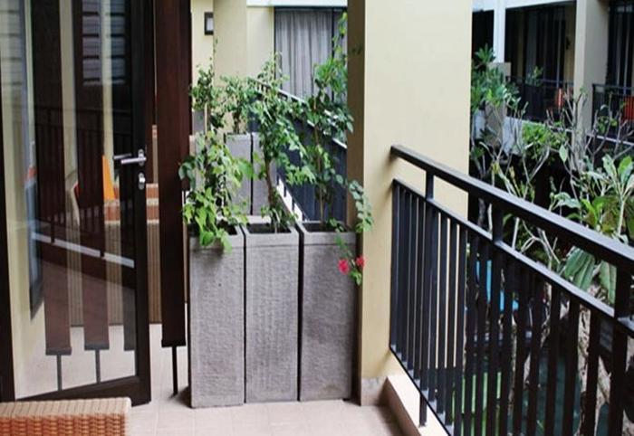 100 Sunset 2 Hotel Bali - Balkon