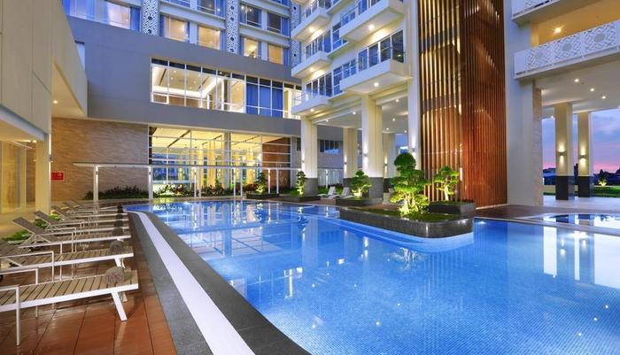 Aston Batam - Swimming Pool