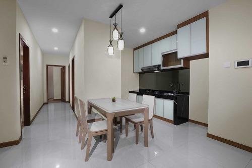 Aston Batam - Dining Room 3 Bedroom Apartment