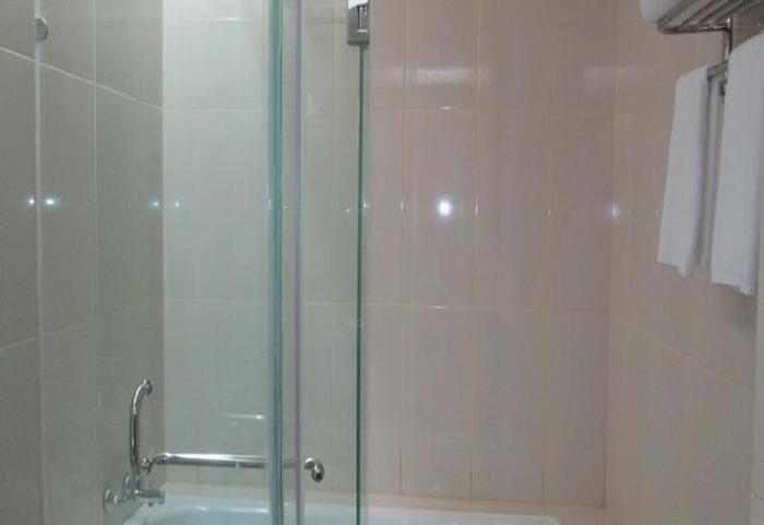 Hotel Dafam Betha Subang - Kamar mandi