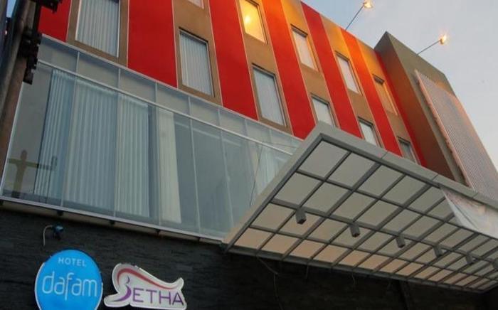 Hotel Dafam Betha Subang - Eksterior