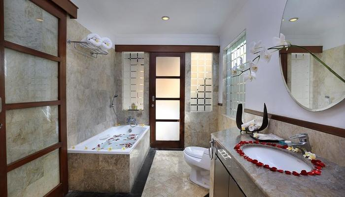Dampati Villas Bali - Kamar mandi