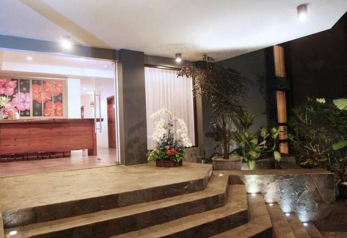 Hotel Amira Bandung - Hotel Entrance