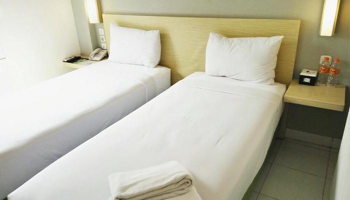 Odua Bekasi Hotel Bekasi - Deluxe Twin Room